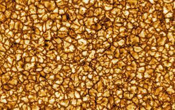 最高清太阳图片!布满细胞样结构 翻滚着等离子(图)